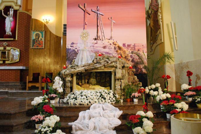 Galeria zdjęć: Adoracja grobu 2012